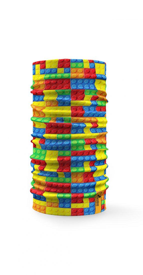 Bandana multifunzione con disegnata una serie di mattoncini lego colorati